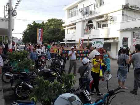 DOCENTES PROTESTAN EN LA DORADA EN CONTRA DE LA POLÍTICA EDUCATIVA DEL GOBIERNO