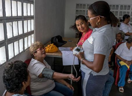 OFICINA DE DEPORTES DEL MUNICIPIO REALIZA ACTIVIDADES SEMANALES CON ADULTOS MAYORES