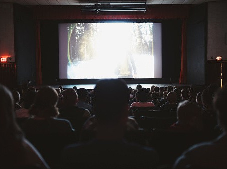 Cines se resisten a desaparecer ante Netflix y anuncian nuevas salas, en Colombia