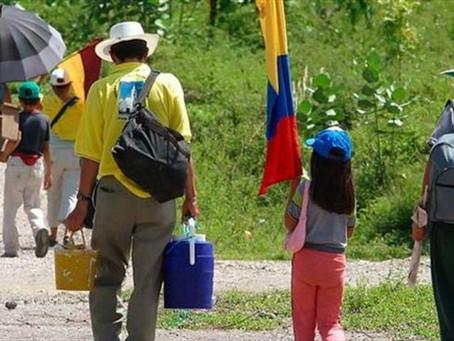 EN COLOMBIA MÁS DE MIL PERSONAS SON VICTIMAS DEL DESPLAZAMIENTO CADA MES