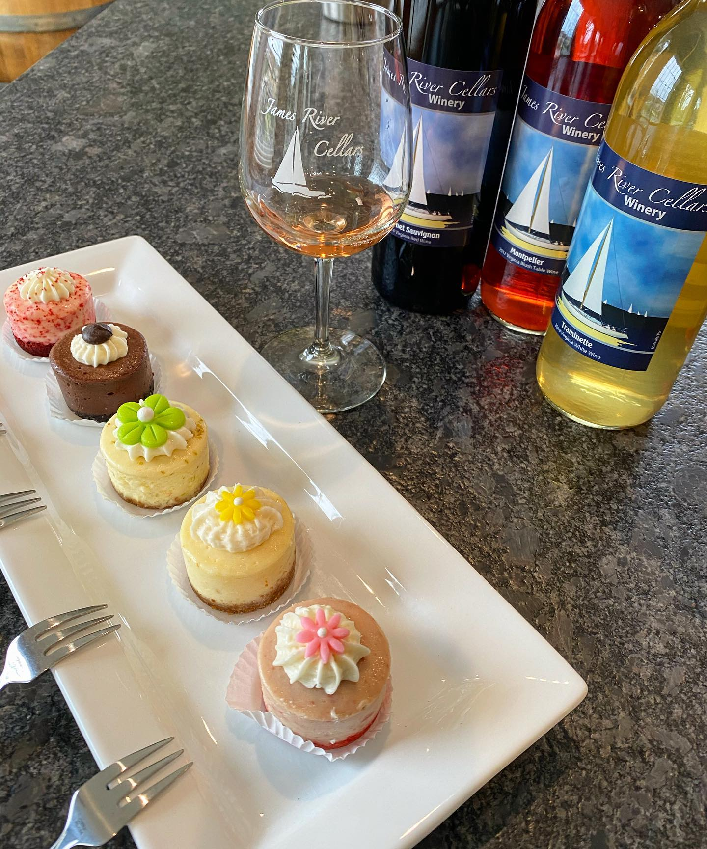 Wine and Geescakes 2020