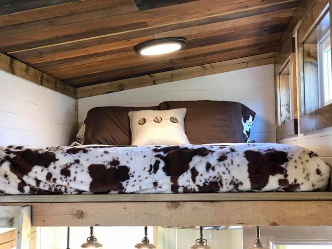 Western style loft-Longmire