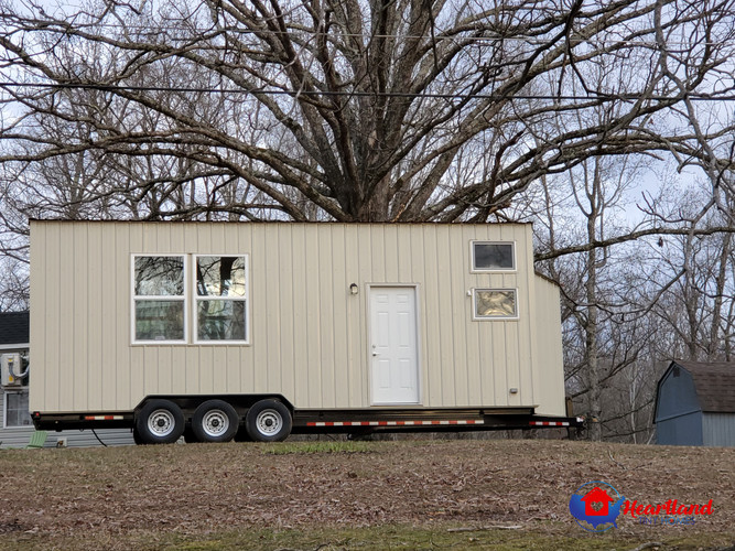 28' Tiny Green House front exterior