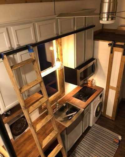 Kitchen Area.jpg