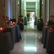 Accompagner les invités jusqu'à la salle de réception