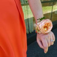 Bracelet de fleurs pour les témoins