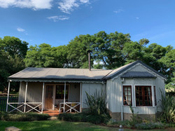 Honey Cottage Front