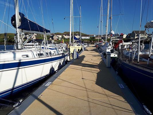 gaggle 2 yachts at Scalpay june 18.jpg