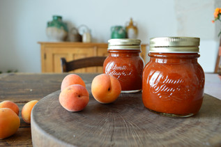 Masseria Faraone | the making of home made Apricots preserves