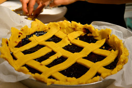 Masseria Faraone   the making of a Wild Blackberries jam Pie
