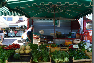 Things to do | a stroll through the Wednesday's market in Martina Franca