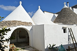 Masseria Faraone | restructuring old stalls in the Trulli della Corte