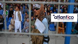 Le Chaos Afghan: entre déconfiture américaine et bouleversement géopolitique régional