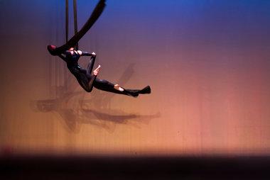 Todo es posible incluso ... Volar. BAILE AÉREO- CLASS JAZZ.