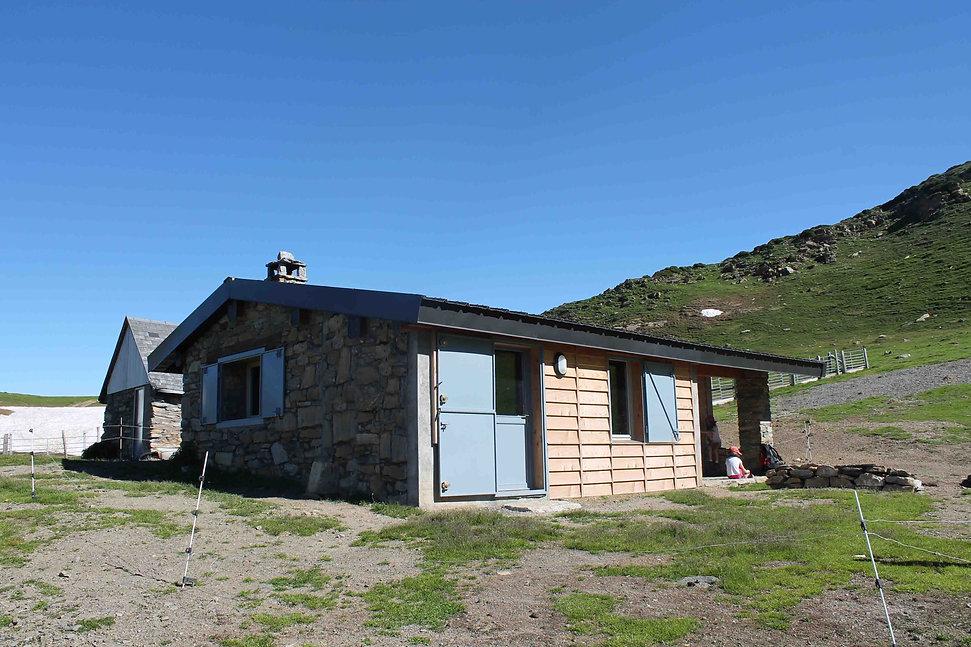 Triptyque architecture Cabane pastorale Peyrehitte, Artigues