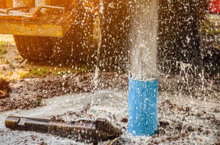 Por que água de poço artesiano é muito melhor do que água de abastecimento público