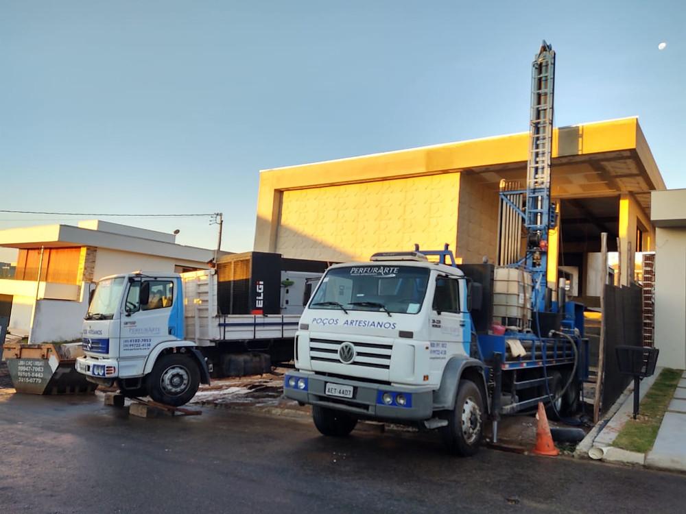 Caminhões de perfuração e manutenção de poços artesianos