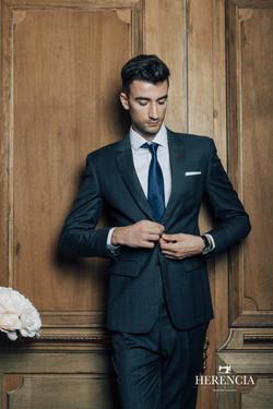 REDA dark grey suit