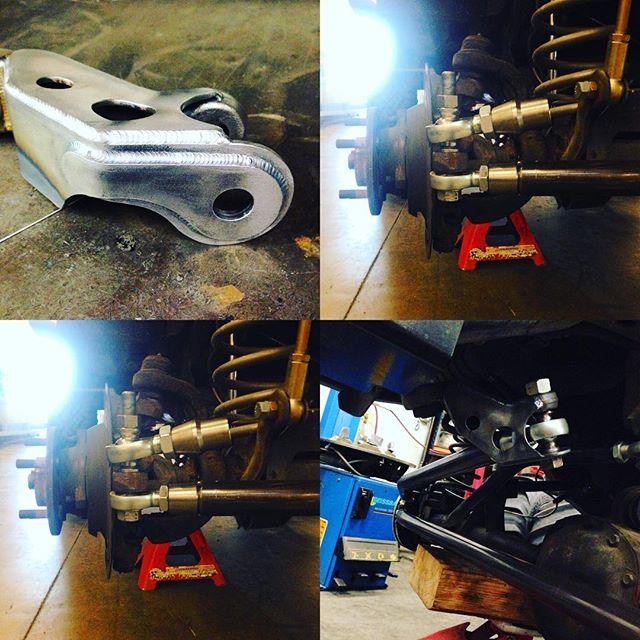 Jeep TJ tie rod, drag link and pitman arm