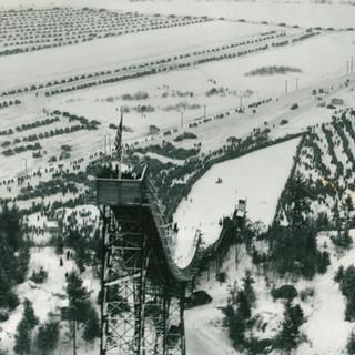 VISINFOPAGEJUMP_Nansen-Ski-Jump_1938_aerial-shot copy.jpg