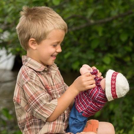 A mi hijo le gusta jugar con muñecas ¿qué hago?