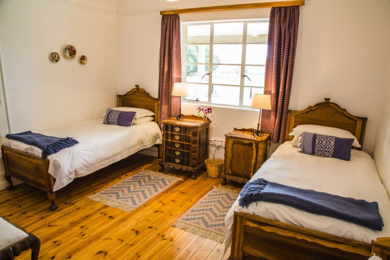 Trymore Cottage | Second twin room