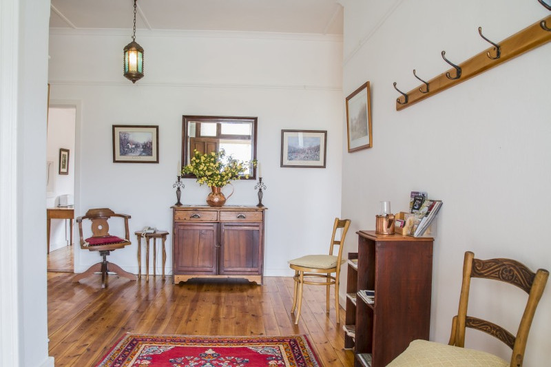 Trymore Cottage | Entrance hall