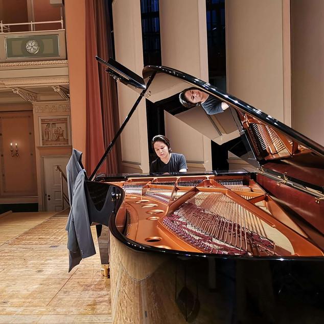 Ron Maxim Huang in  Konzerthaus Berlin kammermusiksaal, Gala-Konzert der Internationale Musikakademie Berlin