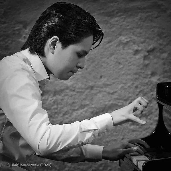 Ron Maxim Huang Klavier,  Daniel Hope Violinin in Konzert Stars and rising stars München