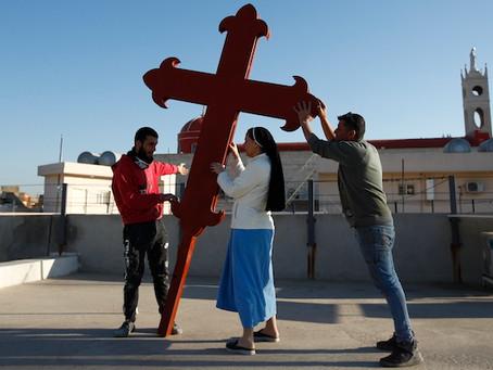Il Papa in Iraq e gli inviati di guerra