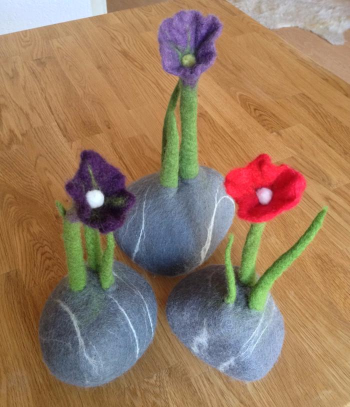 Frühling mit Filz-Steinblumen