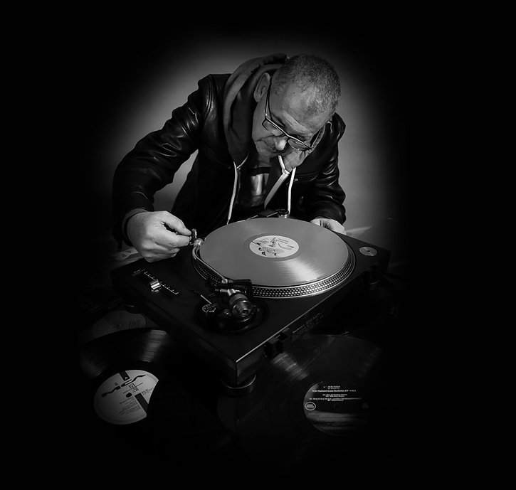 DJ-BOTTOM.jpg