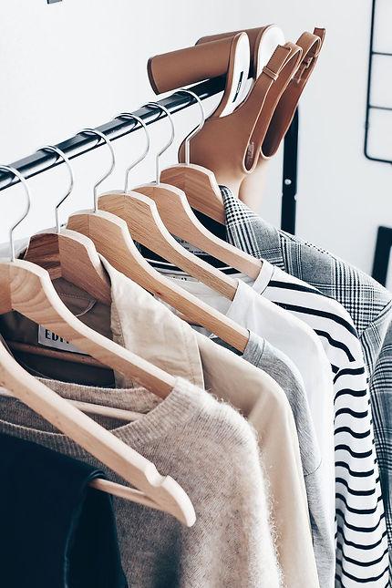 Kleiderschrank-Basics_ 15 Must-haves und