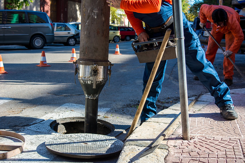 Manhole lining and repair.jpg