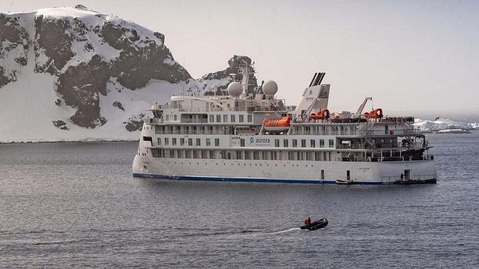 ac-antarctica-ms-greg-mortimer-2019-3.jp
