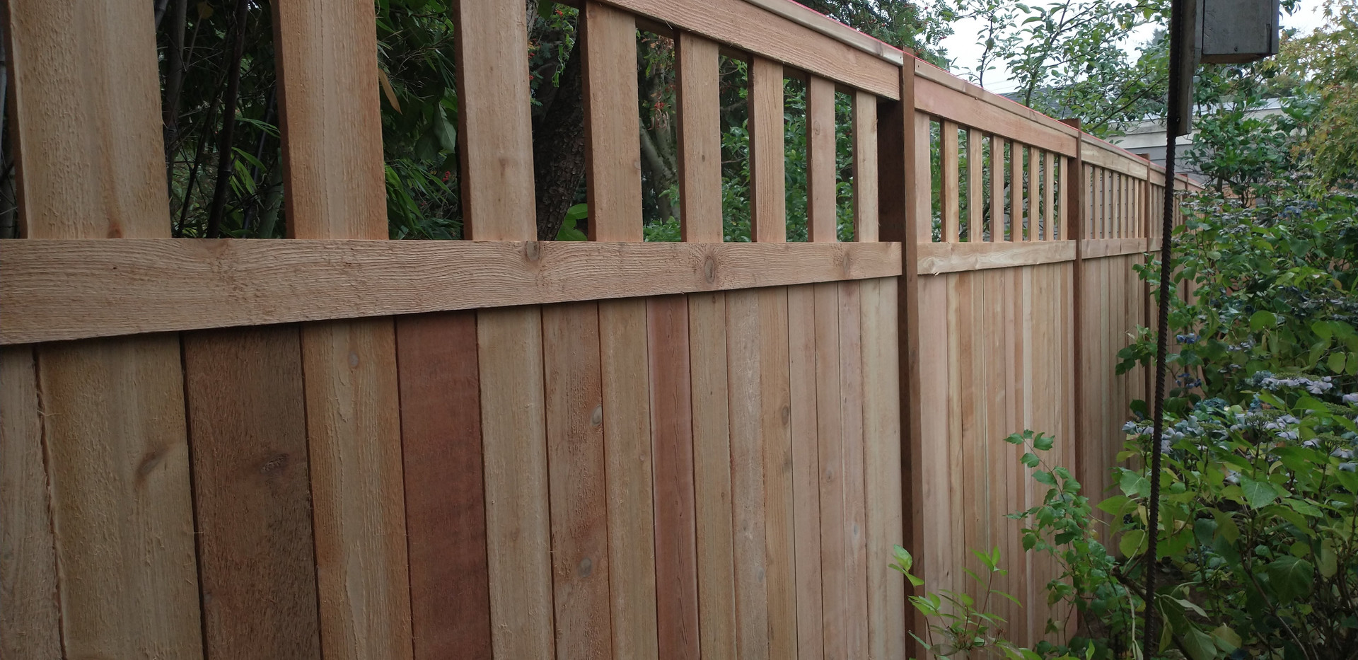 Alternating Cedar 6' and 8' Fence