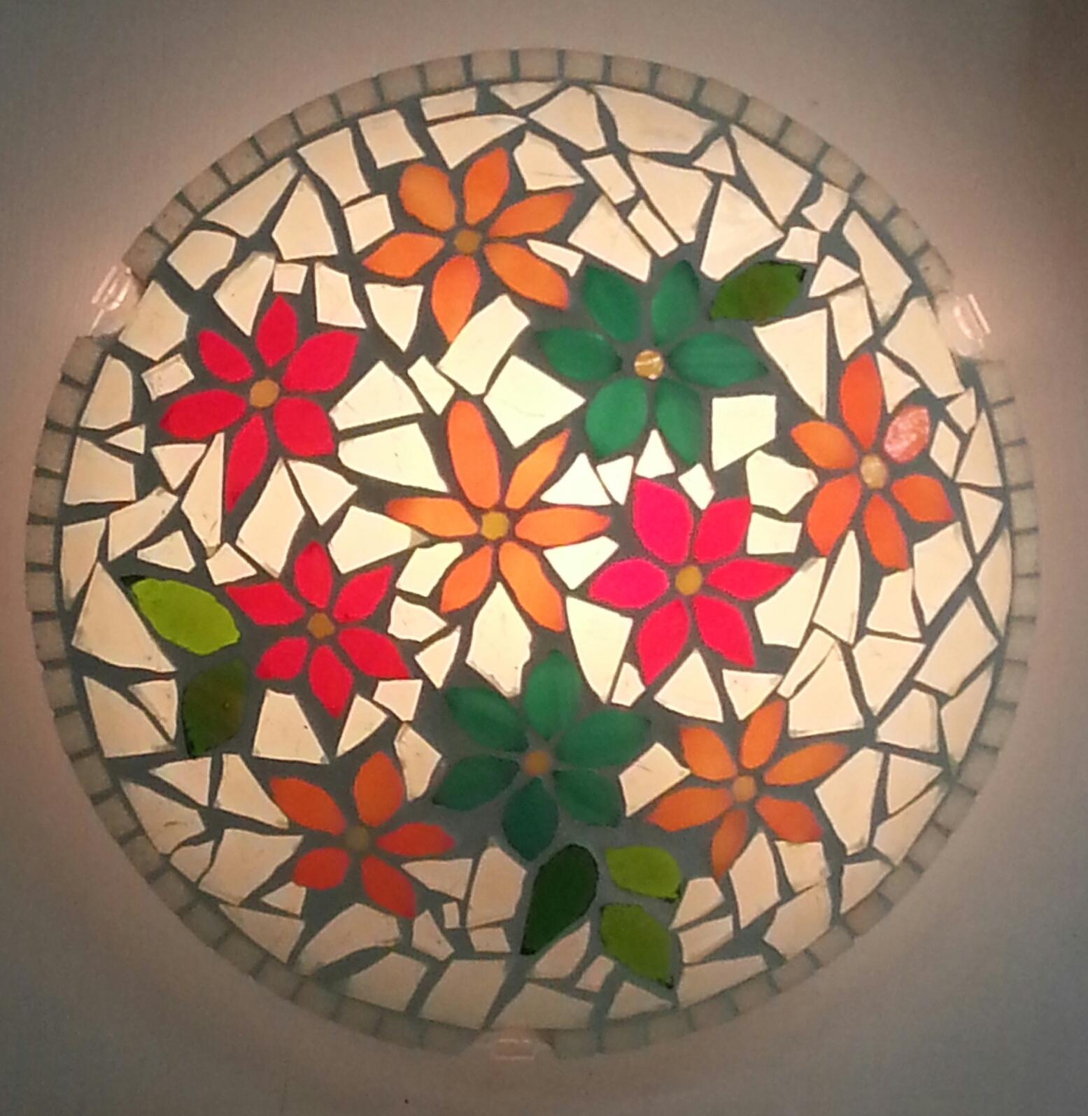 מנורה צמודת קיר/תקרה