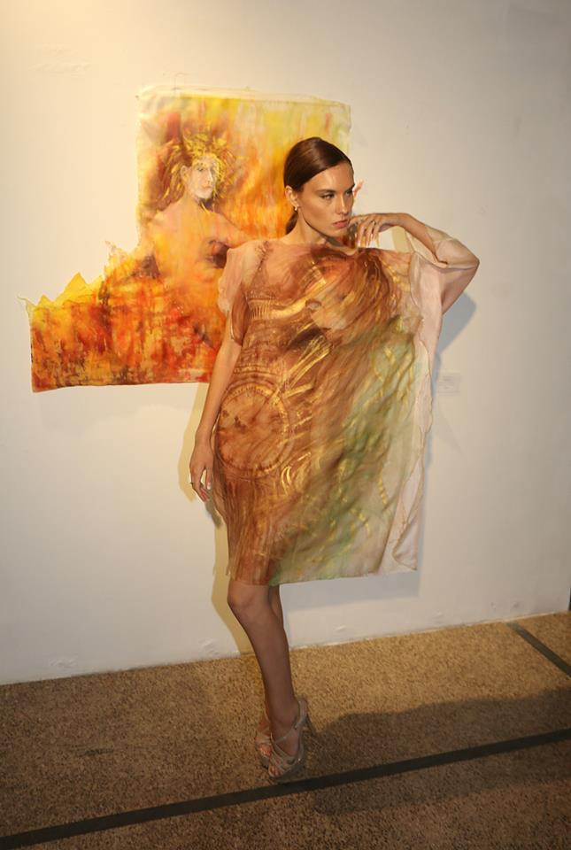 Perfect Shot at the Art Fashion Event of Violeta Lucce hand painted art couture
