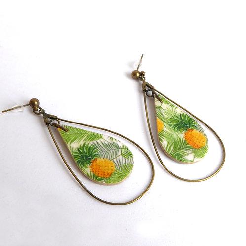 Boucles d'oreilles gouttes en bois, motif ananas vert et jaune