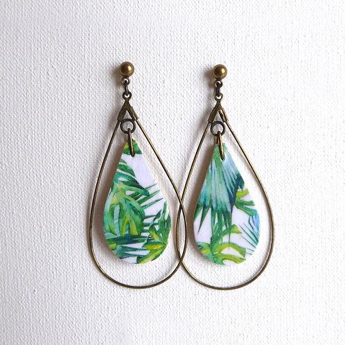 Boucles d'oreilles gouttes en bois, motif palmier vert et blan