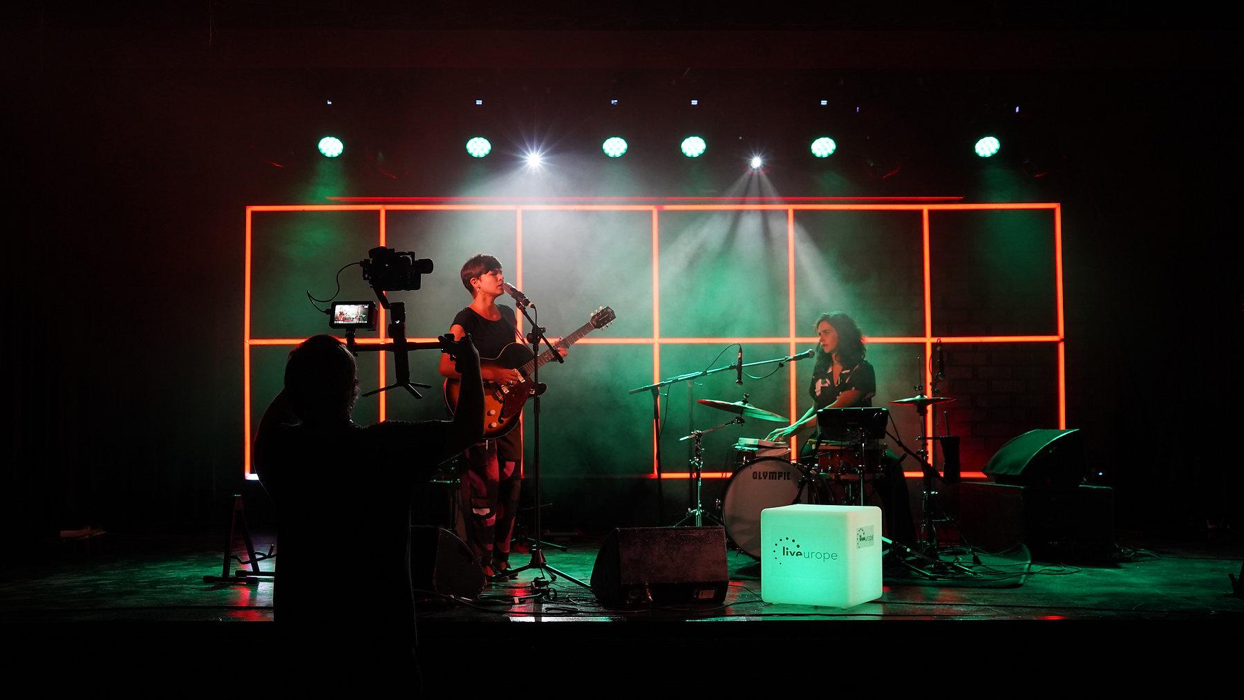 Anna Andreu en el showcase para el live Europe en la Sala Apolo de Barcelona
