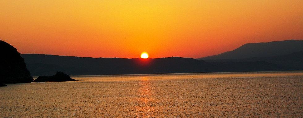 sunset-skiathos-1920x750.jpg