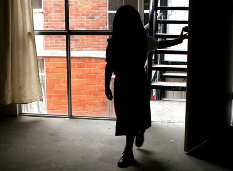 Mujer permitió que sujeto abusara sexualmente de su hija de 10 años en Jalisco