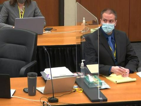El ex policía Derek Chauvin, acusado de homicidio por la muerte de George Floyd, se negó a declarar