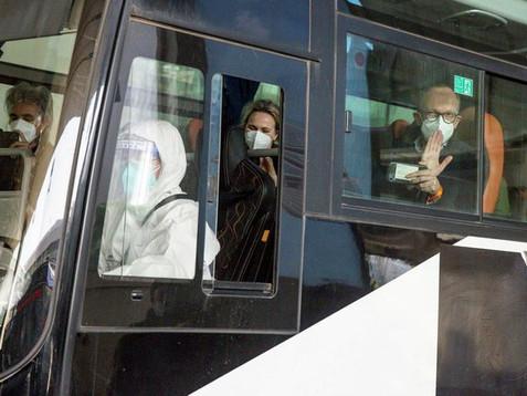 El régimen chino bloqueó la entrada de dos expertos de la OMS que llegaron al país