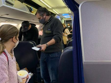"""Ted Cruz viajó a Cancún para ser un """"buen padre"""" y llevar a su hija con amigas a vacacionar"""