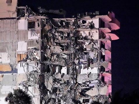 Se derrumbó un edificio residencial en Miami: al menos un muerto y varios heridos