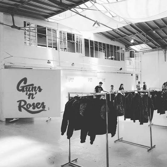 Guns N' Roses                                                @ Galerie Turenne 75004 - Paris