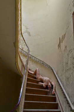 nude+on+staircase