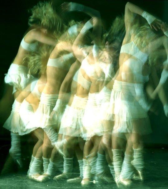 hannah+strobe+dance